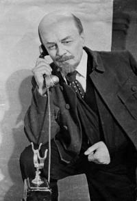 Революционные идеи в Оренбургском драмтеатре