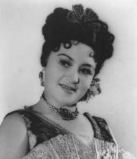 Кубанская ласточка оперетты / Нелли Роман-Канивецкая (Краснодар)