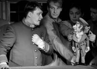"""Про кукол и людей. """"Ревизор"""" в Московском областном театре кукол"""